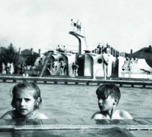 SWIMMING IN LEICESTER THE HIDDEN HISTORY